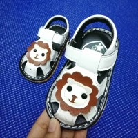 SANDAL WITH SOUND LION (WHITE)